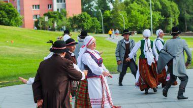 """Chorinės muzikos ir šokių festivalis """"Šviesa amžinoji dainos"""